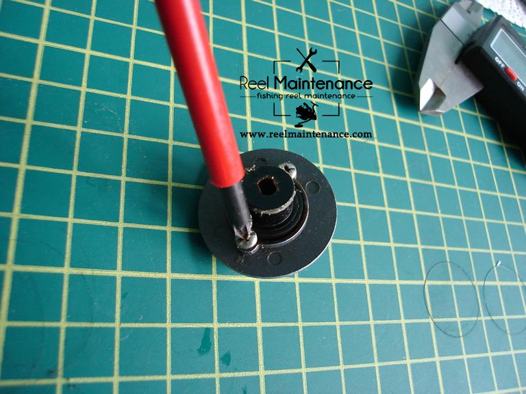 disassembling drag knob