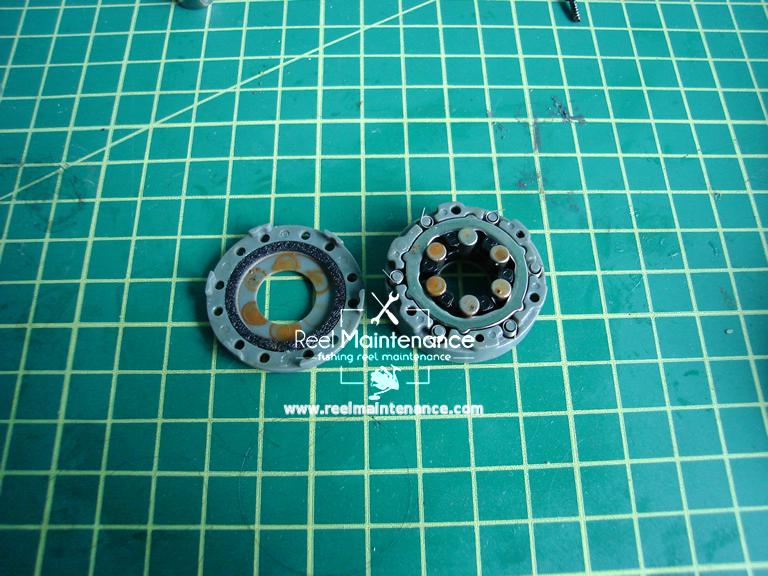 roller clutch spinning reel
