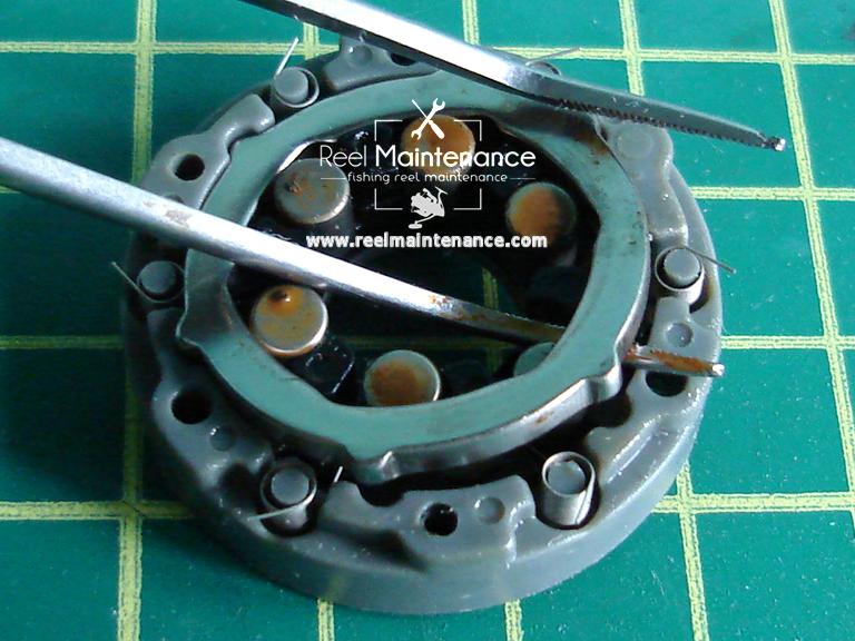 shimano roller clutch retainer