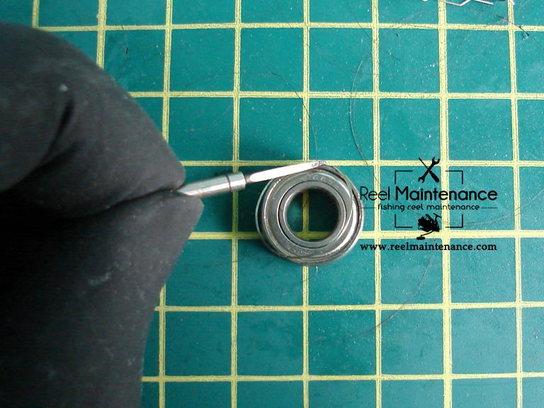 bearing retainer remove
